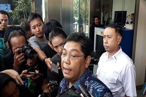 Anggota DPR Fraksi PDIP Utut Adianto diperiksa KPK sebagai saksi dalam kasus korupsi dengan tersangka Bupati Purbalingga Tasdi, Selasa (18/9)./JIBI/BISNIS - Rahmad Fauzan