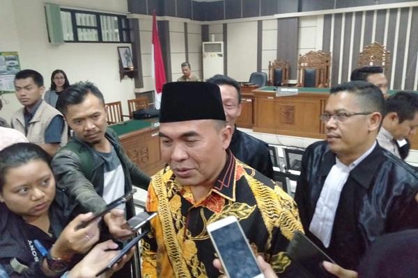 Bupati nonaktif Jepara, Ahmad Marzuqi, dijumpai wartawan seusai persidangan di Pengadilan Tipikor Semarang, Selasa (3/9 - 2019). (Semarangpos.com/Imam Yuda S.)