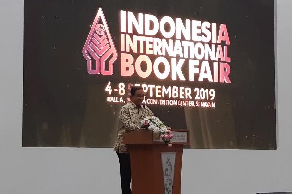 Gubernur DKI Jakarta Anies Baswedan memberikan orasi literasi dalam IIBF 2019 - Bisnis/Aziz R