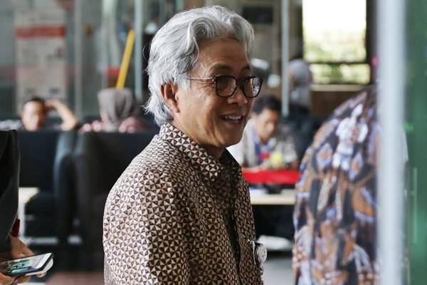 Kepala SKK Migas Dwi Soetjipto berjalan memasuki Gedung KPK, Jakarta, Jumat (11/1/2019). - ANTARA/Rivan Awal Lingga