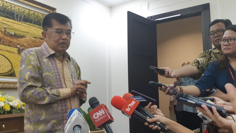 Wakil Presiden Jusuf Kalla saat memberikan keterangan di Jakarta - Bisnis/Anggara Pernando