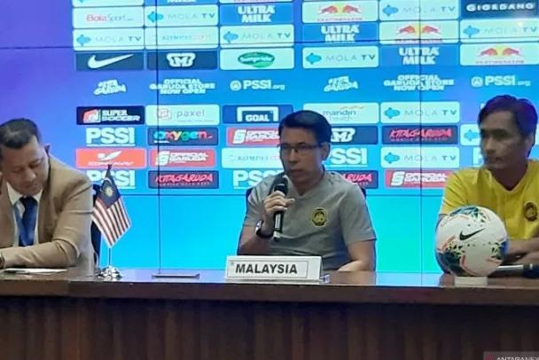 Pelatih tim nasional Malaysia Tan Cheng Hoe (tengah) - Antara
