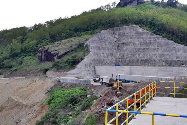Proyek pembangunan Bendungan Bendo di Kabupaten Ponorogo, Jawa Timur, Jumat (4/1/2019). - Bisnis/Amanda Kusumawardhani