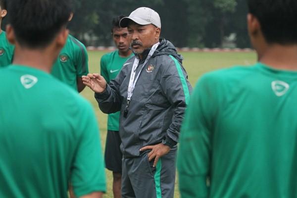 Pelatih Timnas Indonesia U-19 Fakhri Husaini - PSSI.org