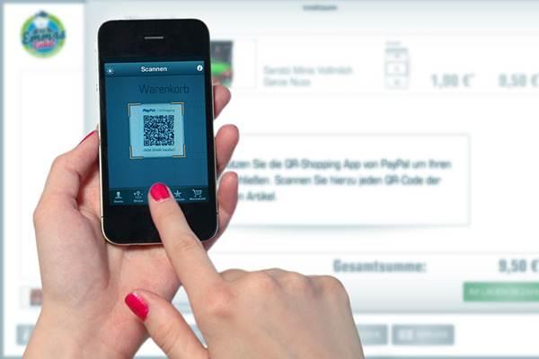 Ilustrasi pembayaran menggunakan QR Code dengan ponsel pintar. - Flickr