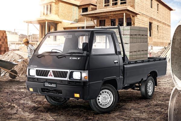 Mitsubishi L300.  - MITSUBISHI