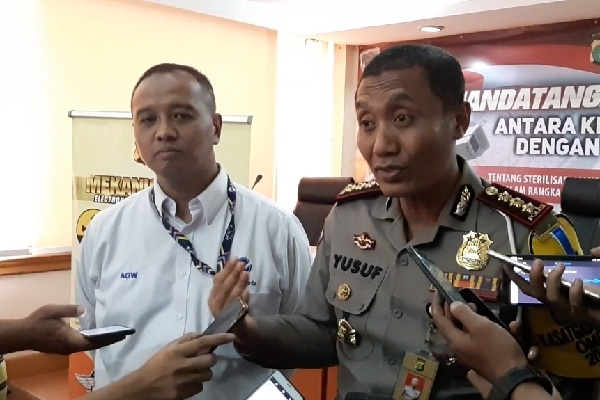 Direktur Utama PT Transportasi Jakarta Agung Wicaksono dan Dirlantas Polda Metro Jaya Kombes Pol Yusuf - Bisnis/Aziz R
