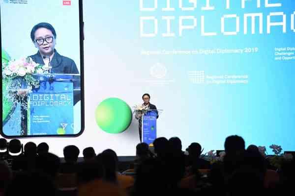 Menteri Luar Negeri RI Retno Marsudi membuka Regional Conference on Digital Diplomacy (RCDD) di Jakarta, Selasa (10/9/2019) - Kementerian Luar Negeri