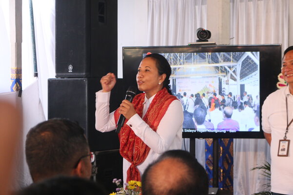 Menteri BUMN Rini Soemarno saat peresmian desa digital di Desa Sidayu Tojan, Kecamatan Banjarangkan, Kabupaten Klungkung, Bali Selasa, (10/9 - 2019).