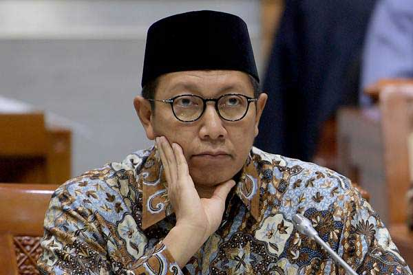 Menteri Agama Lukman Hakim Saifuddin mengikuti rapat kerja dengan Komisi VIII DPR di Kompleks Parlemen, Senayan, Jakarta, Kamis (15/6). - Antara/Sigid Kurniawan