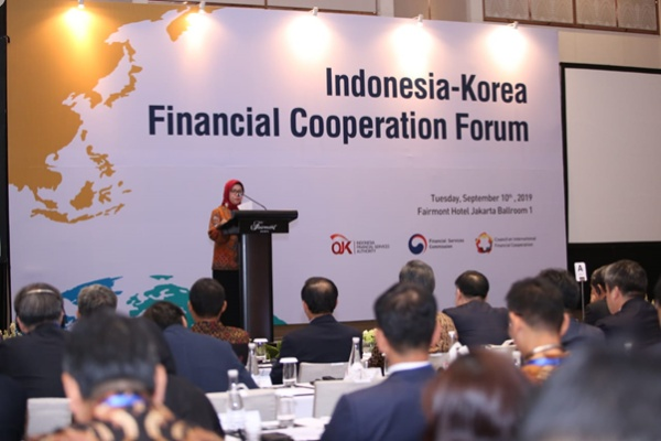 Wakil Ketua Dewan Komisioner Otoritas Jasa Keuangan (OJK) Nurhaida membuka acara IndonesiaKorea financial Cooperation Forum yang digelar OJK bersama Korea Financial Services Commission dan Council on International Financial Cooperation (CIFC) di Jakarta, Selasa (10/9 - 2019).