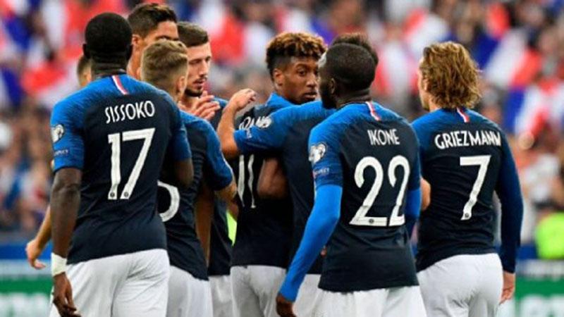 Para pemain Prancis setelah Kingsley Coman menjebol gawang Andorra. - ESPN