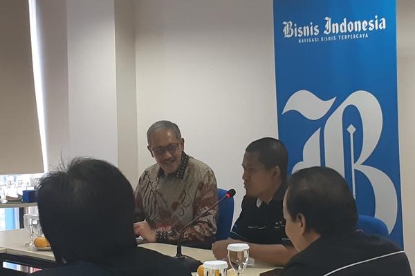 Deputi Gubernur Bank Indonesia Dody Budi Waluyo berdialog dengan Pemimpin Redaksi Bisnis Indonesia Hery Trianto saat melakukan kunjungan ke redaksi Bisnis Indonesia, Senin (2/9/2019) - Bisnis/Gloria Fransisca