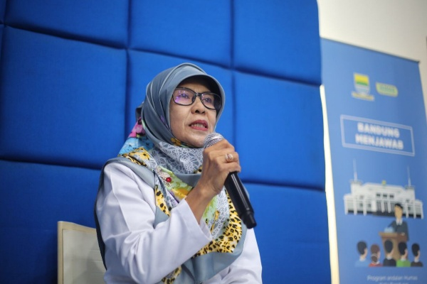 Kepala Bidang Pengembangan Perpustakaan dan Kearsipan, Dispusip Kota Bandung, Neti Supriati