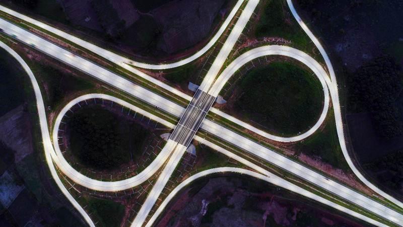 Foto udara simpang susun KM 108 jalan tol Bakauheni-Terbanggi Besar, Lampung, Sabtu (4/5/2019). - Bisnis/Abdullah Azzam