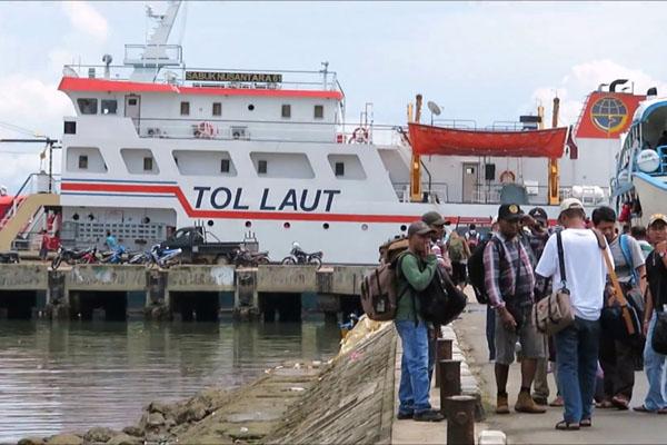 Pelabuhan Sorong - YouTube