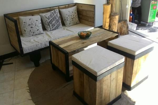 Perabot rumah tangga dari kayu palet - Istimewa
