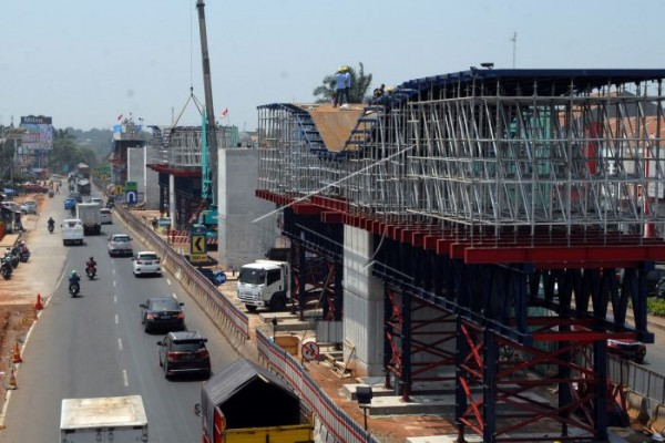 Pembangunan jalan tol Cimanggis-Cibitung. - Antara