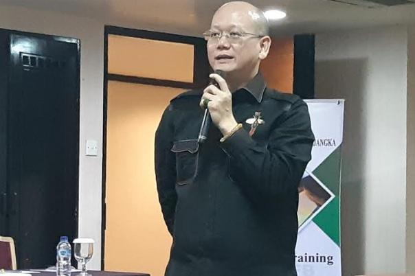 Pemimpin Cabang RFB Bandung Anthony Martanu memberikan pelatihan perdagangan bursa berjangka di Kota Bandung, Kamis (12/09/2019). - Bisnis/Hadijah Alaydrus