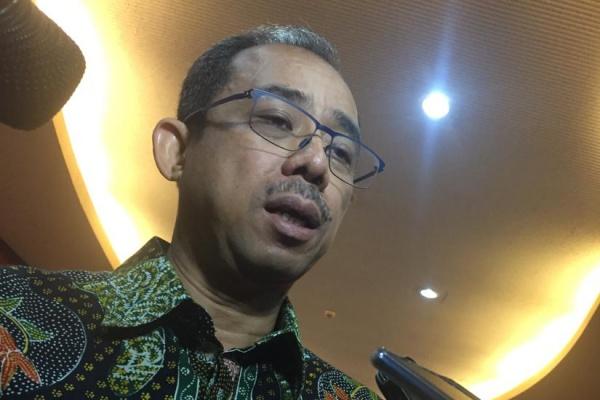 Direktur Jenderal Bea dan Cukai (DJBC) Kemenkeu Heru Pambudi menjelaskan kepada wartawan terkait kenaikan cukai rokok 23 persen pada 2020 di Jakarta - Bisnis/Novita Sari Simamora