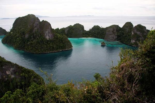 Kepulauan Wayag, ikon wisata Raja Ampat. - Indonesia Travel