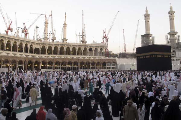 Jemaah umrah di Masjidil Haram - Reuters/Amr Abdallah Dalsh