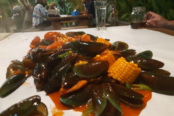 Seafood Beserak, salah satu menu andalan Dapur Perahu di Bengkulu. - Bisnis/Nurul Hidayat