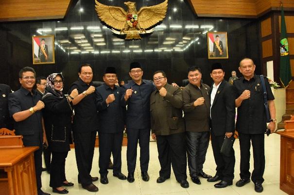 Formasi baru pimpinan DPDR Jabar periode 2019-2024 - Bisnis/Wisnu Wage