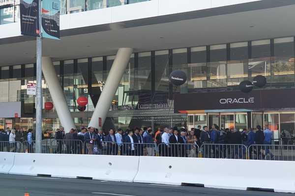Antusias pelaku usaha yang akan mengikuti rangkaian Oracle Openworld 2019 di Moscone Center, San Francisco Amerika Serikat, Senin (16/9/2019). - Bisnis/Lukas Hendra