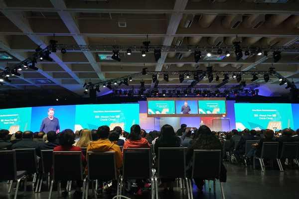 Suasana saat Co-Founder sekaligus Chief Technology Officer Oracle Larry Ellison memberikan keynote speech dalam ajang Oracle Openworld 2019 di San Francisco, Amerika Serikat, Senin (16/9/2019). - Bisnis/Lukas Hendra.