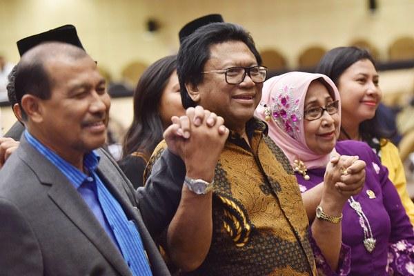 Ketua DPD Oesman Sapta Odang (tengah). - Antara/Wahyu Putro A