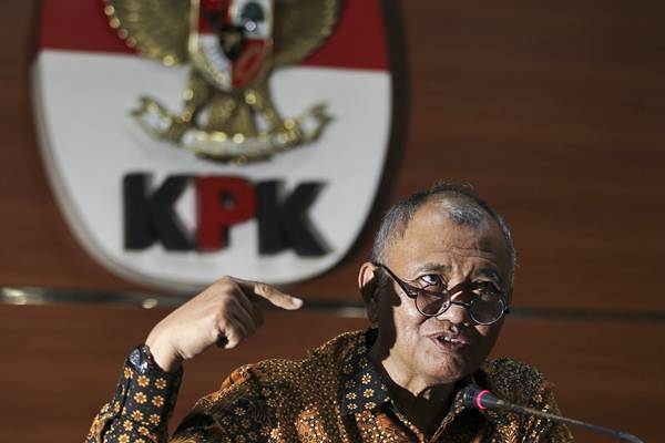 Ketua KPK Agus Rahardjo menyampaikan keterangan pers terkait hasil pengembangan kasus dugaan suap terhadap sejumlah anggota DPRD Provinsi Jambi di gedung KPK, Jakarta, Jumat (28/12/2018). - ANTARA/Dhemas Reviyanto