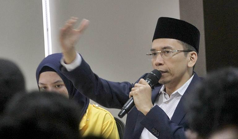 Tuan Guru Bajang (TGB) Zainul Majdi saat berbicara dalam Dialog Kebangsaan di IPC Corporate University, Ciawi, Bogor, Jawa Barat, Senin (11/3/2019). - ANTARA/Yulius Satria Wijaya