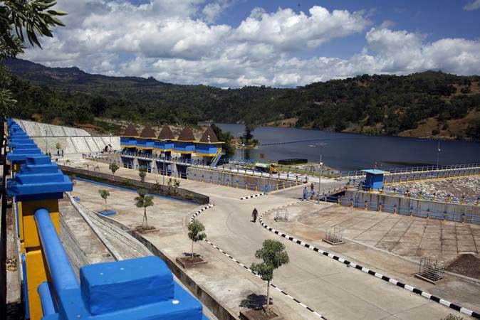 Suasana bendungan Rotiklot yang selesai dibangun oleh Kementerian Pekerjaan Umum dan Perumahan Rakyat (PUPR) di Atambua, Nusa Tenggara Timur, Jumat (17/5/2019). - ANTARA/Yulius Satria Wijaya