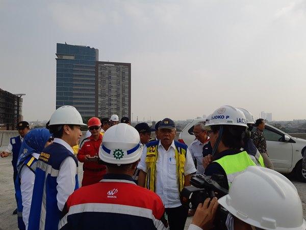Menteri Pekerjaan Umum dan Perumahan Rakyat Republik Indonesia (PUPR) Basuki Hadimuljono beserta rombongan melakukan kunjungan ke tol Japek Elevated km 13, Kamis (19/9/2019) - Bisnis / Krizia Putri Kinanti