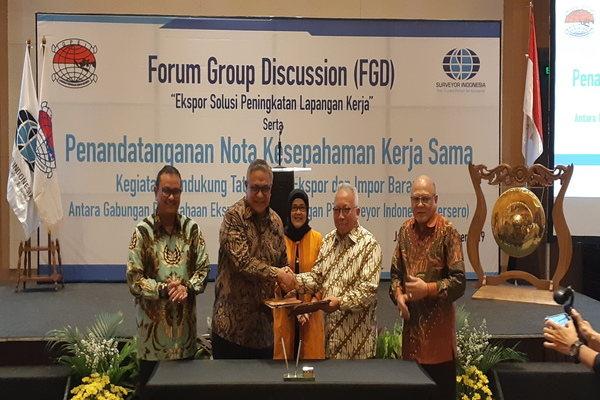 Kerja sama tentang Kegiatan Pendukung Tata Kelola Ekspor dan Impor Barang antara PT Surveyor Indonesia (PT SI) dan Gabungan Perusahaan Ekspor Indonesia (GPEI) pada Kamis (19/9/2019). - Bisnis/Yustinus Andri