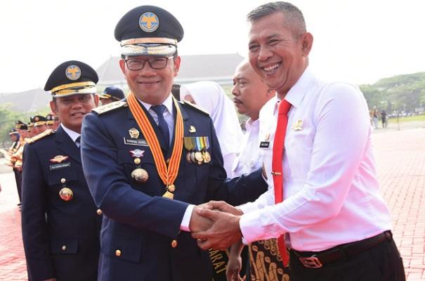 Emil saat menghadiri upacara peringatan Hari Perhubungan Nasional Tingkat Provinsi Jawa Barat Tahun 2019 di Plaza Pemda Kabupaten Bekasi, Kamis (19/9/19). - Istimewa