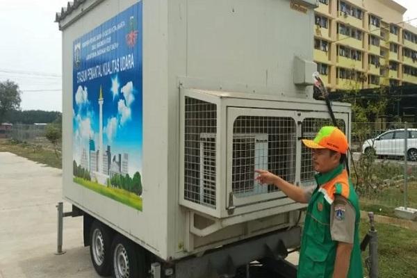 Stasiun Pemantau Kualitas Udara (SKU) yang akan dipasang Sudin Lingkungan Hidup Jakarta Utara di SDN Cilincing 07 Pagi. - Antara