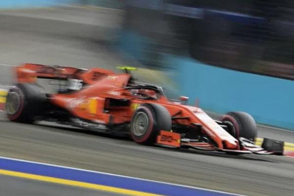 Charles Leclerc melesat di sesi kualifikasi GP Singapura pada Sabtu (21/9/2019), - Antara-AFP