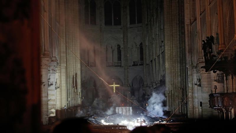 Katedral Notre-Dame di Paris Prancis terbakar Senin (15/4/2019) waktu setempat - Reuters