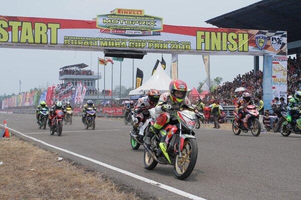 Salah satu pebalap yang mengikuti Kejurnas Motorix Region Sumatra 2019 melintasi Sirkuit Skyland di Kabupaten Musi Banyuasin, Sumsel. - Istimewa