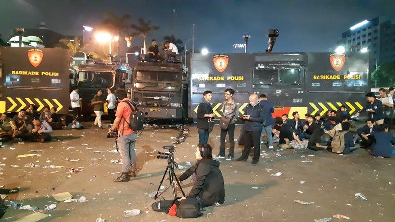 Suasana setelah demonstrasi mahasiswa di depan gedung DPR/MPR, Jakarta, Senin (23/9/2019) - Bisnis - Rayful Mudassir