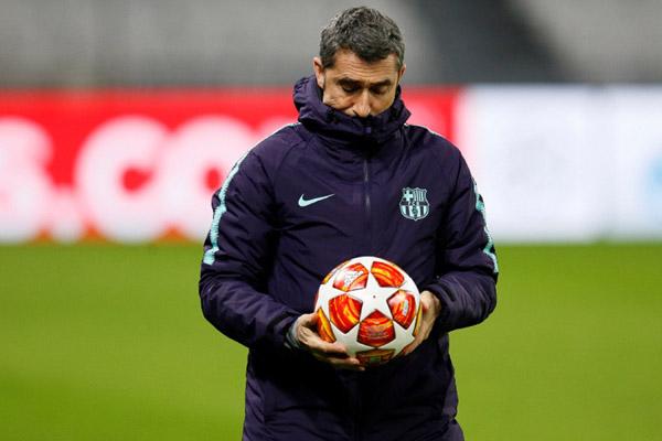 Pelatih FC Barcelona Ernesto Valverde - Reuters/Emmanuel Foudrot