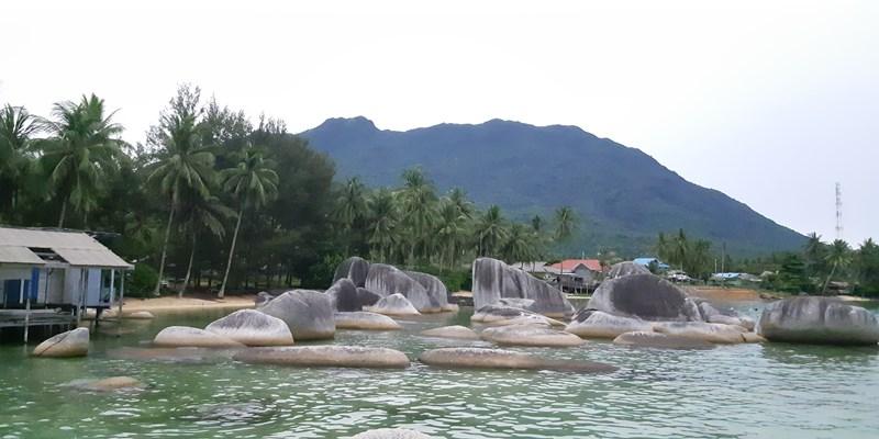 Taman Batu Alif - Bisnis
