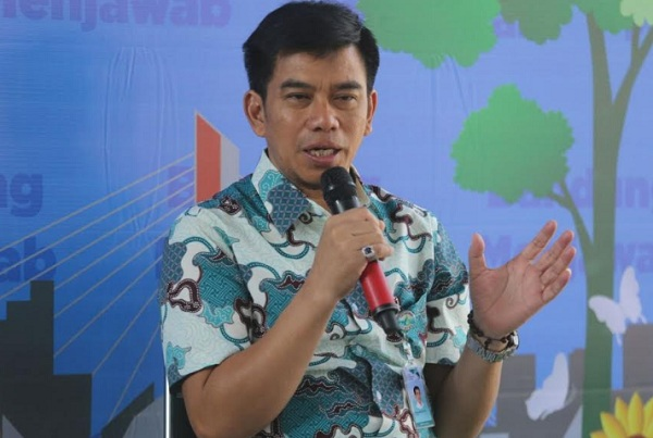 Direktur Utama PDAM Tirtawening Sony Salimi - Bisnis/Dea Andriyawan