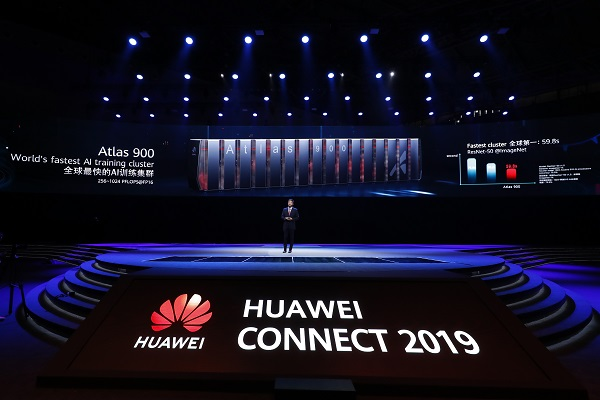 Deputy Chairman Huawei Ken Hu memberikan key note speech pada acara Huawei Connect 2019, di Shanghai, China, Rabu (18/9/2019). - Istimewa