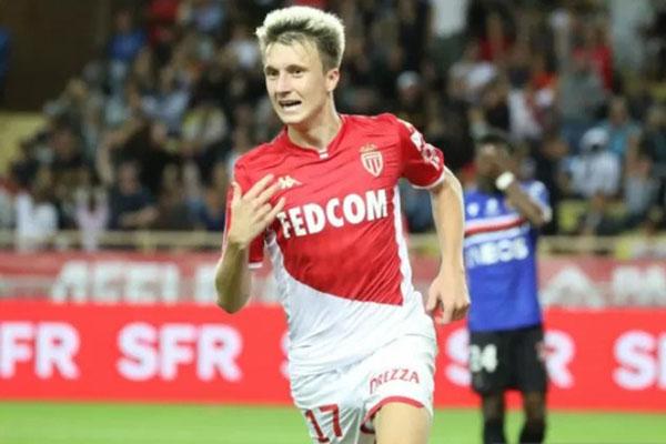 Gelandang serang Monaco Aleksandr Golovin selepas menjebol gawang Nice. - Reuters/Valery Hache