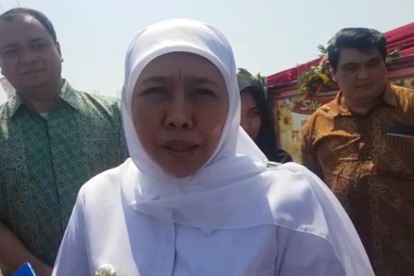 Gubernur Jawa Timur Khofifah Indar Parawansa menghadiri acara Ground Breaking Fasilitas Storage Amonia di Kawasan Industri Maspion Gresik pada Rabu 25 September 2019. - Bisnis/Peni Widarti
