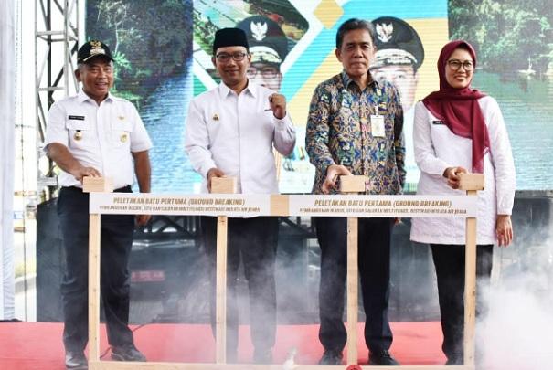 Groundbreaking Pembangunan Waduk, Situ, dan Saluran Multifungsi Destinasi Wisata Air Juara di Sempadan Saluran Kalimalang, Kota Bekasi, Rabu (25/9 - 19).