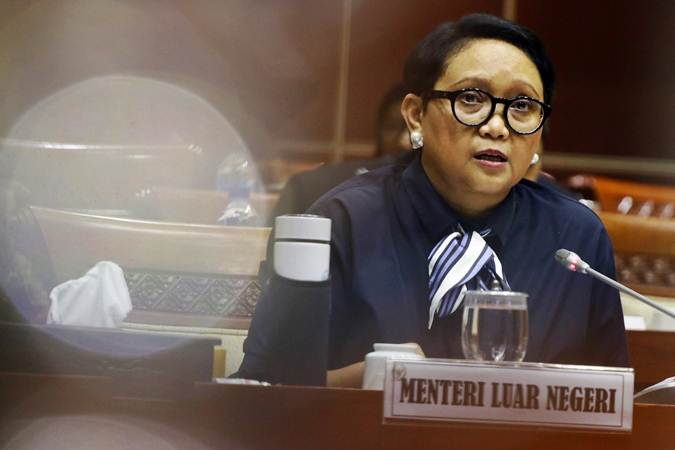 Menteri Luar Negeri Retno LP Marsudi memberikan paparan saat mengikuti rapat kerja dengan Komisi I DPR di Kompleks Parlemen, Senayan, Senin (11/3/2019). - ANTARA/Rivan Awal Lingga